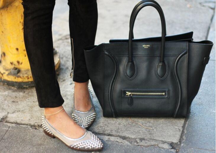 Идеальная пара: как подобрать сумку к сапогам и туфлям