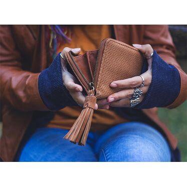 Как выбрать кошелек или портмоне для женщины?