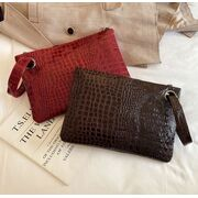 Женская сумка-клатч, красная П3077