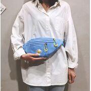 Женская сумка, бананка с ромашкой, П3837